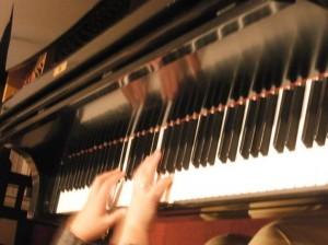 cropped-piano2.jpg